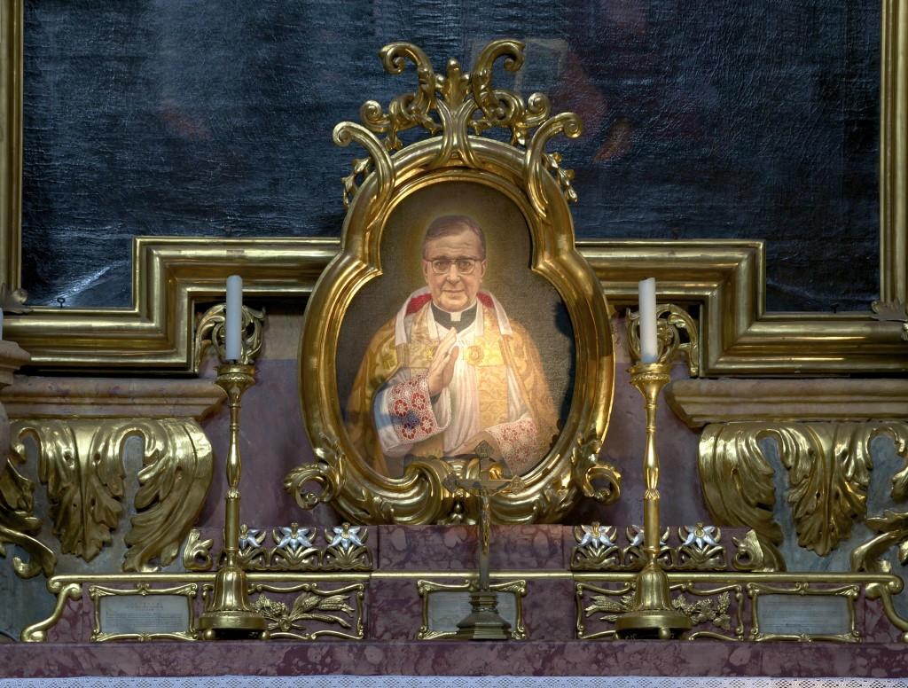 Detail_autel_Jose_Maria_Escriva_de_Balaguer_Peterskirche_Vienna