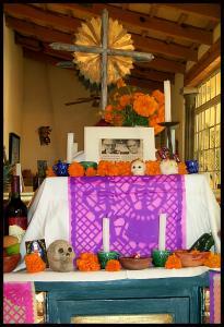 Photo by Ute. 'El Altar de Muertos - para mis abuelos' (cc) 2006.