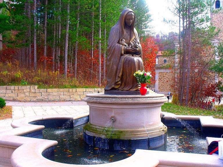 memorial to the unborn statue