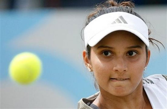 Sania Mirza: A Pride or Disgrace to Indian Muslims | Izzie
