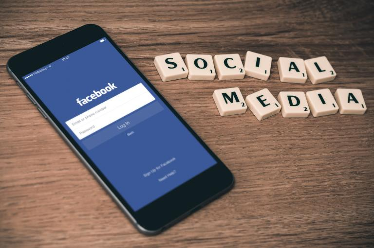 Evangelizing on Social Media CC0 via pixabay