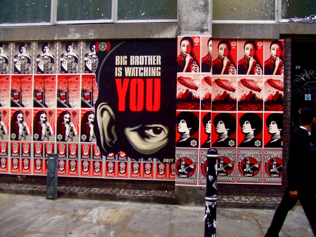 American street artist Shepard Fairey comes to London's east end. Brick Lane, 2007 (tim rich and lesley katon CC BY-NC-ND 2.0 https://www.flickr.com/photos/timrich26/3048134488/)