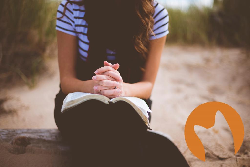 Praying Hnads (Photo by Ben White on Unsplash CC0)