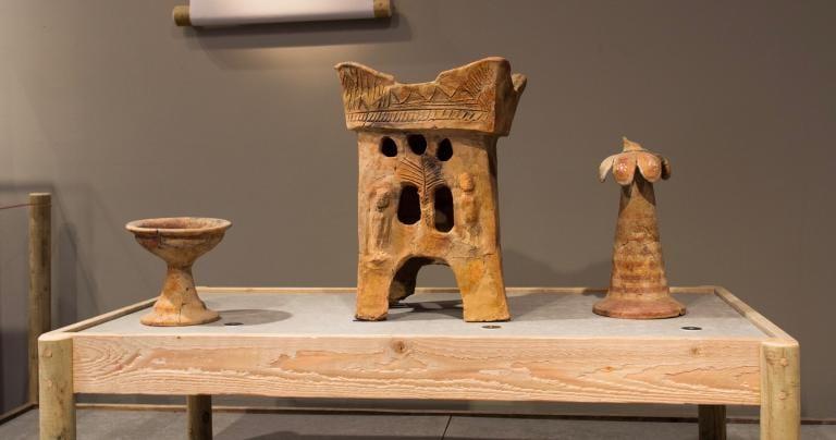 Asherah-altar-Tel-Rehov-Exhibition
