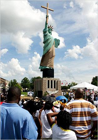 Memphis Statue