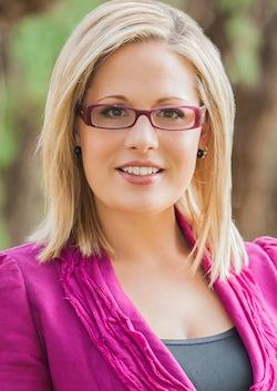 Openly Bisexual Nontheist Kyrsten Sinema Is Winning Her Democratic Primary Race for Congress