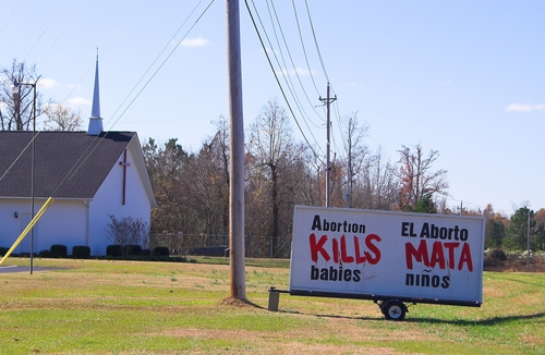 New Study Finds That Anti-Abortion Threats Skyrocketed in Wake of Planned Parenthood Videos