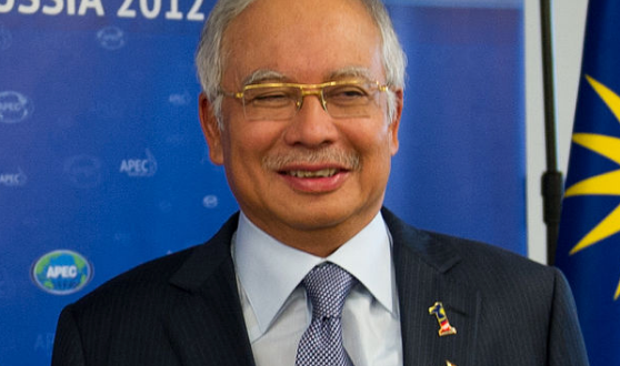 Malaysia's Thieving Prime Minister Backs Islamic Penal Code