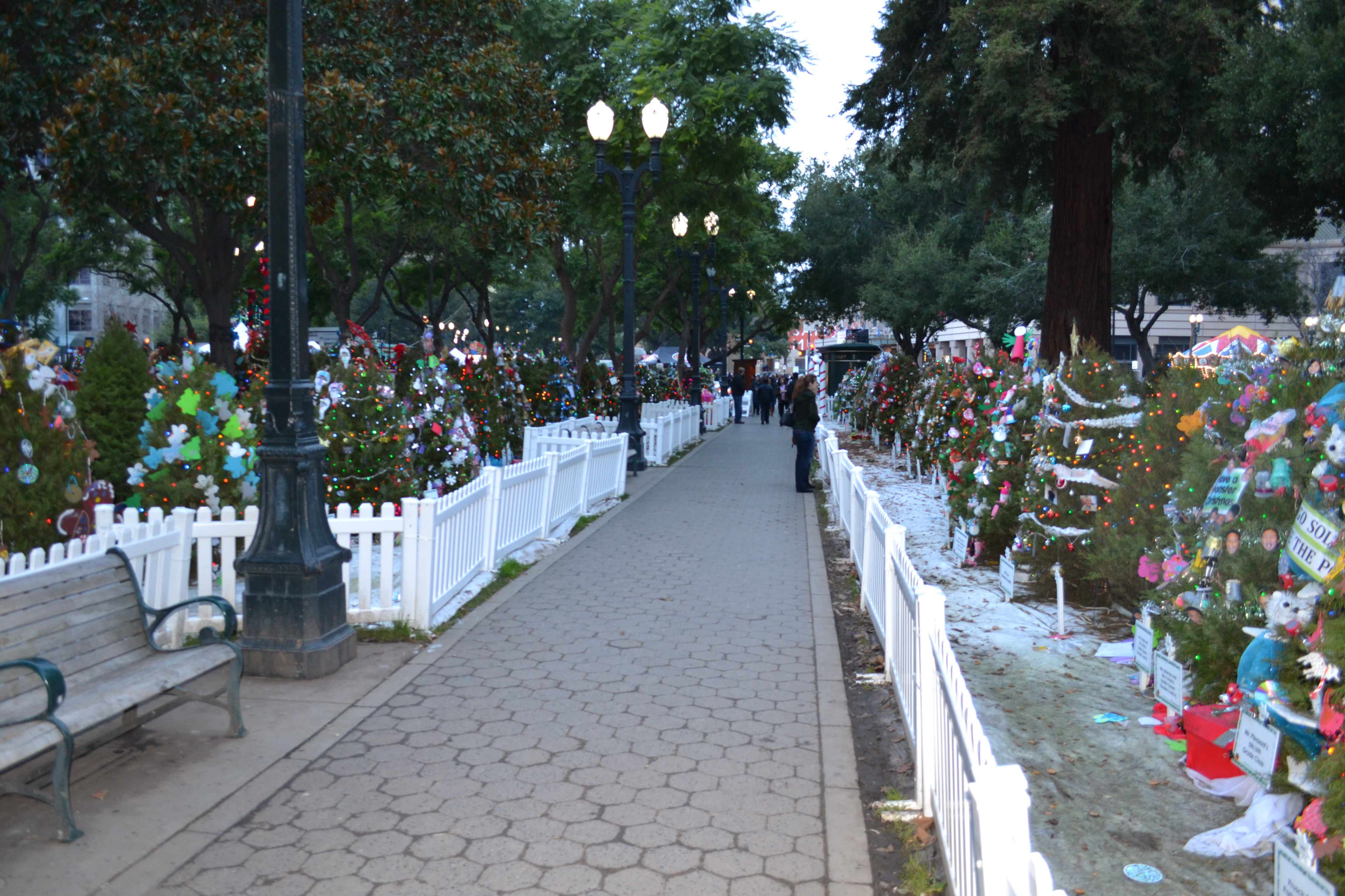 Christmas_in_the_Park_exhibit_1