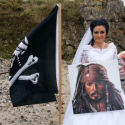 Tired of Booty Calls, Woman Makes Honest Man Out of 300-Year-Old Pirate Ghost