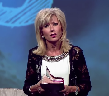 """Female Pastor Condemns Christian Misogyny; Male Apologist Responds: """"Be Silent"""""""