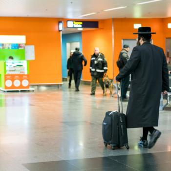 Airlines Need to Punish Orthodox Jews Who Refuse to Sit Next to Women