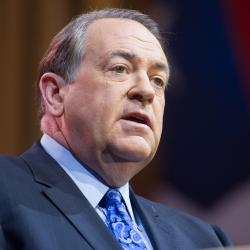 "Mike Huckabee Says He Wants a ""Holiday Home"" in Israel"