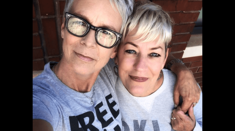 """Jamie Lee Curtis Making Film About Christian """"Stand-in"""" Mom at Same-Sex Weddings"""