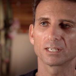 Australian Cult Leader Who Saw Vision on Toilet Says He's da Vinci Reincarnated