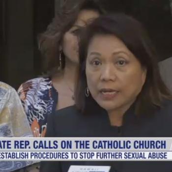 Hawaii Legislators Want to Encourage the Catholic Church to Ordain Married Men
