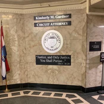 St. Louis Circuit Attorney Has Bible Verse Permanently Displayed OutsideCourtroom
