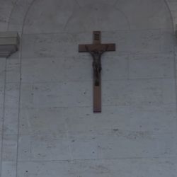 """Montreal City Hall Removes Cross Because """"We're in a Very Different Time Now"""""""