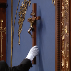 Quebec Finally Removes Crucifix from National Assembly Council Chamber