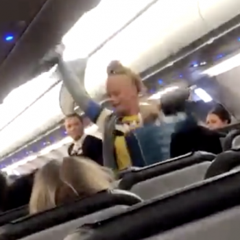 Racist Women Kicked Off Plane After Complaining About Muslim Men On Flight
