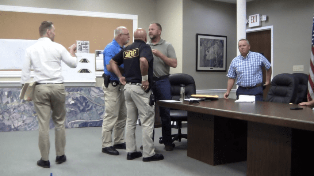 Pledge of Allegiance Fight Disrupts Fiscal Court Meeting in Kentucky