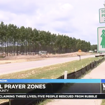 """Christian Activist Puts Up Multiple """"School Prayer Zone"""" Signs in South Carolina"""