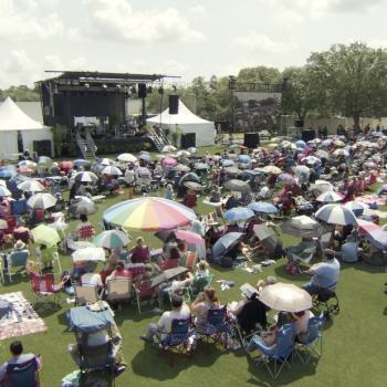 Hundreds of Maskless Christians Crowded Together for a Tampa (FL) Church Service