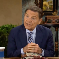 """Kenneth Copeland: """"Lazy Christians"""" Are Why Michele Bachmann Isn't President"""