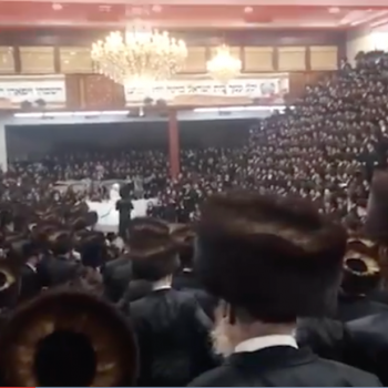 In Secret, Thousands of Hasidic Jews in NY Crammed Together for a Wedding