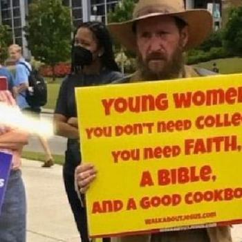 """Campus Preacher Provokes Fight After Carrying """"Women Belong in the Kitchen"""" Sign"""