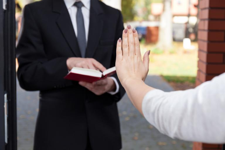 These Ex-Jehovahs Witnesses Want You to Know Why They