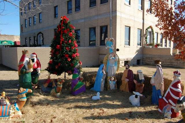 Christmas Point Baxter.After Arkansas County Takes Down Nativity Scene Outside